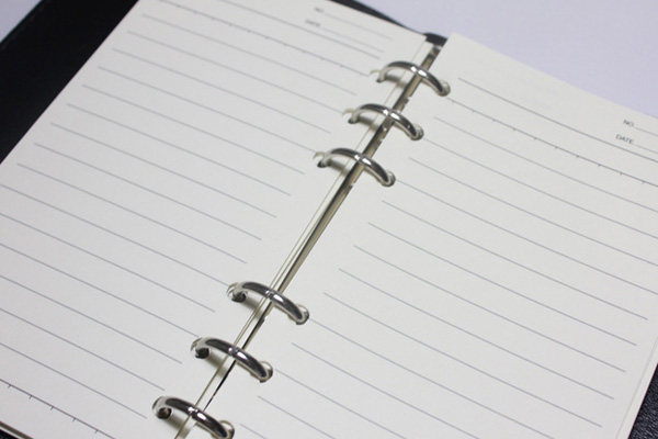 システム手帳の選び方 リング径